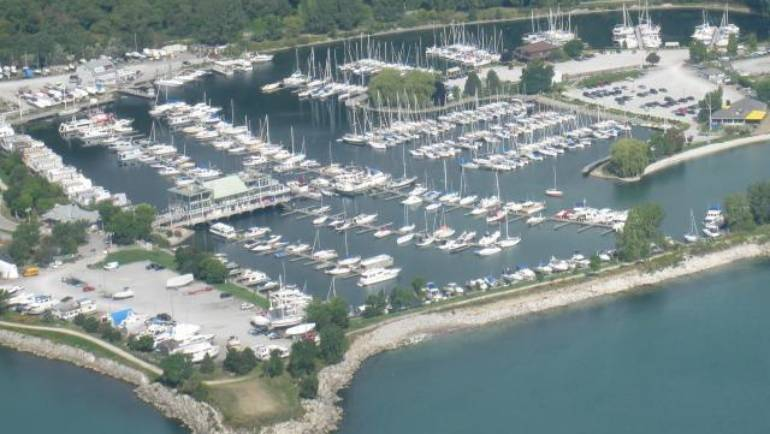 Fun, Family Boating or Sailing Weekend: Enjoy a Free-Night Stay at Bluffers Park Marina