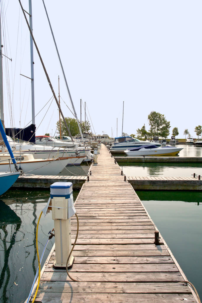 the dockage and storage facilities available at Bluffers Park Marina, Toronto's only full-service marina